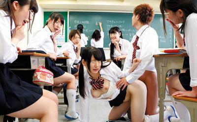 ばれたら退学!授業中でも構わずに教室や学校でJKとハメまくりww