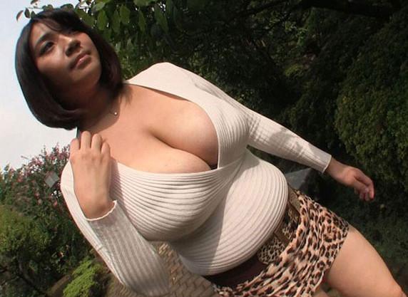 超乳おばさんなお姉さんのおっぱい濃厚セックスが卑猥w