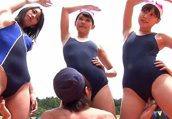 美少女JKお姉さんを水着着衣でハメるw