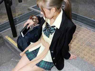 【JK援交】制服ギャルと円光!制服着衣で乱交w
