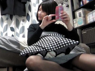 【ロリ盗撮】『何か用??』清楚な素人の美乳お姉さんを隠し撮り!!