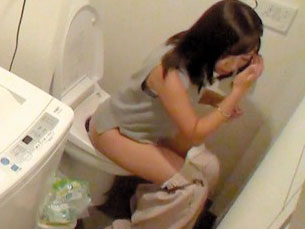 【素人の美少女盗撮】お姉さんを隠し撮り!貧乳美少女とマニア性交wデカチン巨根で痙攣アクメw