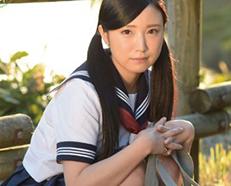 スレンダー美乳な美少女JKが制服や水着のコスプレ着衣ハメでAV女優デビューw