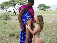 ギャルのお姉さんがアフリカの原住民達とセックスしまくっちゃう!!デカチンをご奉仕しまくって突かれまくるww
