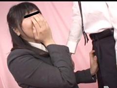 OLのお姉さんと同僚が二人きりでエッチな展開に!服の上からおっぱい揉まれて感じてセックス!!